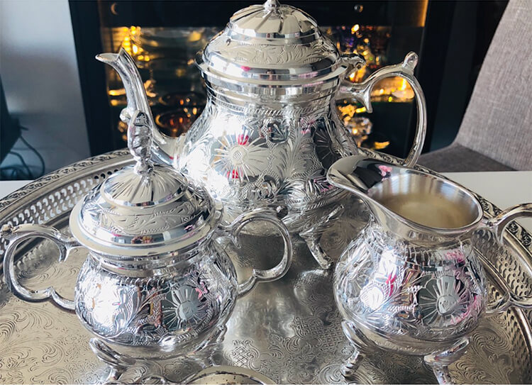 シルバー茶器セットの写真
